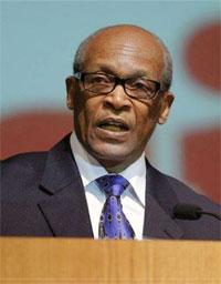 Rev Otis Gordon, Pastor